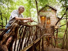 An inspiration for all kinds of recycling. Dan Phillips Builds Enchanting and Affordable Houses from Recycled Materials.