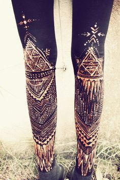 TRIANGLE Power TRIBAL LEGGINS handpainted by SiamicWear on Etsy, €50.00