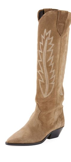 Fall 2018 Trend Western Style: One of this season's most pervasive looks, the western trend, is making a carry through to the Fall. Cool Boots, Women's Boots, Combat Boots, Ankle Boots, Western Style, Western Boots, Sneaker Heels, Sneakers, Cowboy Boot
