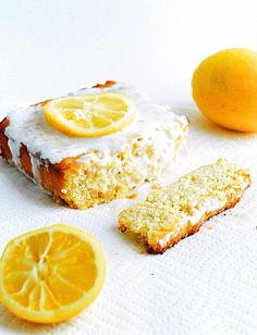 Low Carb Lemon Cake - Moist, tangy and healthy lemon cake.