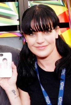 'Give us a call, Abby'. Beautiful Celebrities, Beautiful Actresses, Ncis Abby Sciuto, Pauley Perrette Ncis, Pauley Perette, Ncis Gibbs Rules, Kensi Blye, Famous Girls, Fashion Tv
