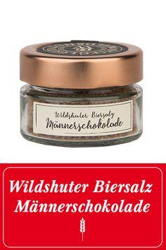 """Das Wildshuter Biersalz ist eine raffinierte Zutat zum Würzen von Speisen. Es vereint die edlen Inhaltsstoffe der Wildshuter """"Männerschokolade"""" mit dem wertvollen Quellsalz aus Portugal. Mit ihm gibst du deinen Speisen wie z.B. Fleischgerichten das letzte Finish und bringst es aromatisch """"auf höchste Stufe"""". #prost #mahlzeit  Wildshut   Stieglgut   Salz   Kochen   Würzen   Stiegl   Bier   Beer   Salzburg   Nachhaltigkeit   Gewürze   Österreich   Salze   Geschenksidee   Geschenk   Essen… Image Film, Baking Ingredients, Cookie Dough, Salzburg, Portugal, Food, Environment, Chocolate, Sustainable Farming"""