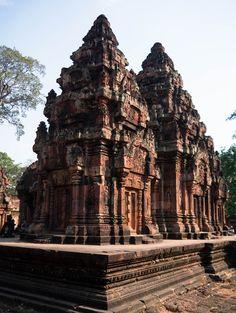 (Parte I) Phnom Penh, Siem Reap, Angkor, Burj Khalifa, Cathedral, Travel, Cambodia, Sunrise, The Journey