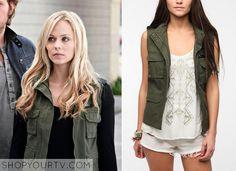 Elena Michaels (Laura Vandervoot) wears this green sleeveless hooded jacket with leather detailing in this week's episode of Bitten. It is the BDG Sleeveless Hooded Surplus Vest. Buy it HERE