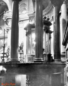 Interior de Catedral , vista del Altar de la Virgen de San Juan