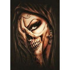 Chicano Tattoos, Chicano Art, Body Art Tattoos, Sleeve Tattoos, Yakuza Tattoo, Skull Hand Tattoo, Skull Tattoo Design, Tattoo Designs, Sugar Skull Girl Tattoo