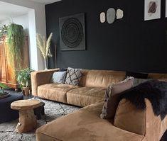 """nuevo-interiordesign on Instagram: """"🖤Vanaf nu hebben we een zwarte muur.Was even een klusje,maar blij met resultaat 🖤. #interieur #interior #interieurdesign #interiordesign…"""""""