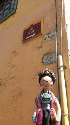 Frida en una de las hermosas calles de Puebla.