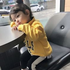 Bonzour vou te su mon intagra romanhistorique roman historique amreading books wattpad mom and baby ulzzang ulzzang _ ulzzang l _ ulzzang liebe familie kids baby Cute Asian Babies, Korean Babies, Asian Kids, Cute Babies, So Cute Baby, Cute Kids, Mode Ulzzang, Ulzzang Kids, Kfashion Ulzzang