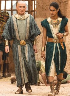 I like the younger guy's outfit. The top half could be an interesting top. Ancient Egyptian Clothing, Egyptian Fashion, Egyptian Jewelry, Prince Of Egypt, Egyptian Costume, Fantasy Costumes, Movie Costumes, Ancient Greece, Costume Design