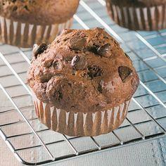Muffins aux brisures de chocolat - Recettes - Cuisine et nutrition - Pratico Pratique Healthy Desserts, Healthy Recipes, Muffins, Muffin Recipes, Paleo, Fruit, Breakfast, Fondant, Nutrition