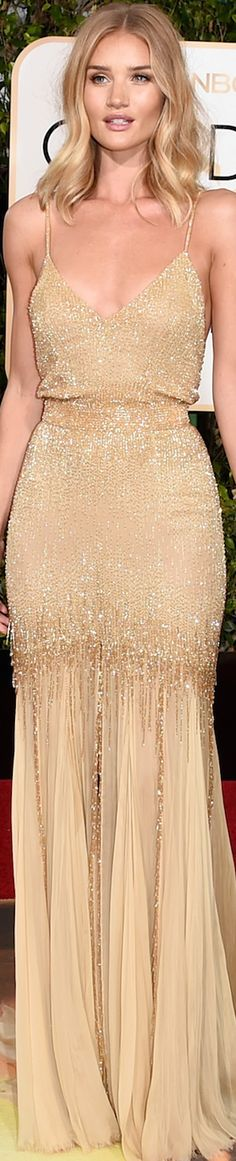 Rosie Huntington Whiteley in Atelier Versace 2016 Golden Globes