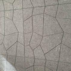 #whisperwool #wallartdecor #akustikpaneele #sheepwool #akustikplatten #kassettendecken Acoustic Panels, Sheep Wool, Tile Floor, Flooring, Texture, Rugs, Crafts, Home Decor, Surface Finish
