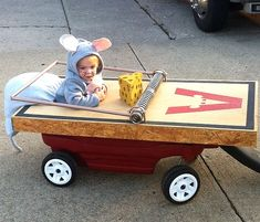 Mouse in Trap Being Pulled. Adorable toddler halloween costume. - Click image to find more Holidays Pinterest pins