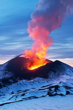 zoes blog - Snow & Fire, Tolbachik Volcano | Mikhail Vershinin