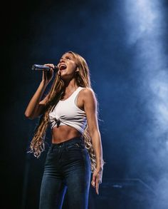 Camila Gallardo, White Blonde Hair, Summertime Outfits, Goddess Hairstyles, Super Long Hair, Stage Outfits, Everyday Outfits, Girl Crushes, Hair Goals