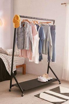 Mack Clothing Rack