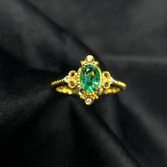 0.5ct Oval Cut Emerald Ring Vintage ing 14K Yellow Gold