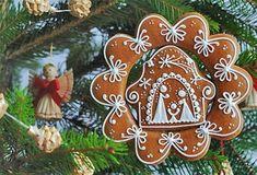 Kuruc.info - Karácsonyi hagyományok és népszokások Gingerbread Christmas Decor, Christmas Nativity, Christmas Tree Decorations, Christmas Ornaments, Straw Decorations, Nativity Ornaments, Christmas Cookies, Holiday Quotes Christmas, Christmas Music