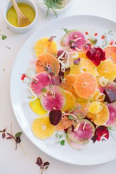 Colorful Summer Citrus Salad - Perfect for a brunch bridal shower! Raw Food Recipes, Healthy Recipes, Aesthetic Food, Food Presentation, Summer Recipes, Chefs, Food Inspiration, Love Food, Food Photography