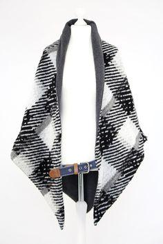 http://de.dawanda.com/product/102555551-oversize-dreieckstuch-preciouswinter