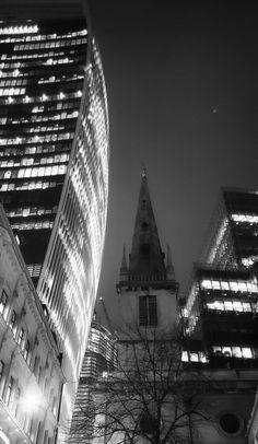 What a trip Wednesday: The Smoke - Across The Universe Blog Uk Trip, Trafalgar Square, Across The Universe, Tourist Places, London Bridge, Westminster Abbey, The Smoke, Night Photography, Tower Bridge