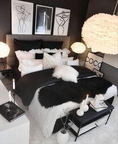 Glam Bedroom, Room Ideas Bedroom, Home Decor Bedroom, Bedroom Wall, Bedroom Black, Ladies Bedroom, Diy Living Room Decor, Interior Livingroom, Cozy Bedroom