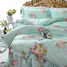 Romantic recorded shabby chic bedding sets you can look here Shabby Chic Bedrooms, Shabby Chic Homes, Shabby Chic Furniture, Shabby Chic Decor, Modern Bedroom, Pink Bedrooms, Master Bedroom, Rustic Decor, Modern Bedding