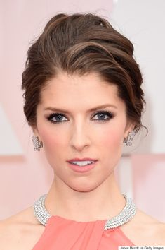 Anna Kendrick looks simply beautiful with rosy cheeks and matte pink lips
