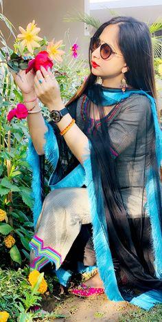 Punjabi Wedding Suit, Wedding Salwar Suits, Patiala Salwar Suits, Embroidery Neck Designs, Embroidery Suits Design, Designer Punjabi Suits, Indian Designer Wear, Salwar Suits Simple, Boutique Suits