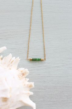 Prehnite bead bar crystal necklace in bronze, silver, gold or rose gold - chain with adjustable extender Teardrop Necklace, Bar Necklace, Beaded Necklace, Arrow Necklace, Amethyst Necklace, Birthstone Necklace, Green Peridot, Metal Beads, Gemstones