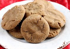 Soft Gingerbread Cookies are chewy, delicious and the perfect cookie for the holidays! This Gingerbread Cookie recipe is full of the flavors of cinnamon, cloves, ginger and molasses and the best part about these cookies Ginger Molasses Cookies, Ginger Bread Cookies Recipe, Ginger Snap Cookies, Cookie Recipes, Soft Gingersnap Cookies, Cookies Soft, Almond Cookies, Shortbread Cookies, Soft Gingerbread Cookies