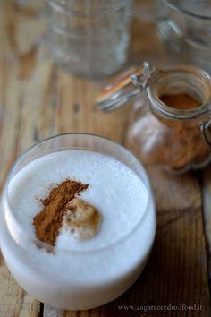Frappè al Latte di Mandorla Caffè e Cannella http://www.zagaraecedro.ifood.it/2015/08/frappe-al-latte-di-mandorlacaffe-e-cannella.html