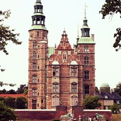 Imágenes del mundo: Castillo de Rosenborg (Copenhague - Dinamarca)... #cibervlachoimagenesdelmundo  Visita mi Blog: http://cibervlacho.blogspot.com