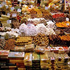 Spice Bazaar | Instanbul, Turkey www.sabrinascloset.com