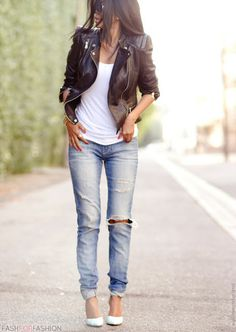Boyfriend jeans and leather. Adore!