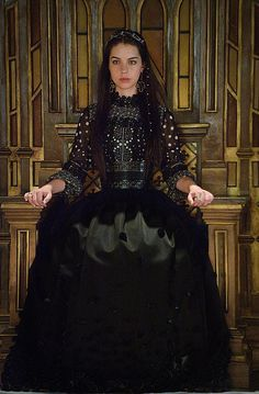 """Reign -- """"The Plague"""" -- Image Number: -- Pictured: Adelaide Kane as Mary, Queen of Scots -- Photo: Ben Mark Holzberg/The CW -- © 2014 The CW Network, LLC. All rights reserved. Reign Mary, Mary Queen Of Scots, Mary Stuart, Queen Aesthetic, Princess Aesthetic, Adelaide Kane, Reign Season 2, Season 3, Serie Reign"""