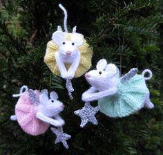 Furry Fairies -Free knitting pattern from Alan Dart. Website full of amazing knitting patterns for a variety of toys. Most patterns cost about but these beautiful mice are free! Knit Christmas Ornaments, Christmas Fairy, How To Make Ornaments, Christmas Crafts, Knitted Christmas Decorations, Christmas Stockings, Knitting Patterns Free, Free Knitting, Yarn Crafts