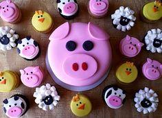 Pig Smash Cake + Barnyard Cupcakes!