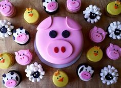 Adventures in Savings: Rose Bakes... A Pig Smash Cake + Barnyard Cupcakes