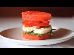 No te pierdas esta #receta   #saludable  en la que te enseñamos a preparar una deliciosa #fresh   #burguer  . Una estupenda idea de KEMA Food Culture. ¡A comer!