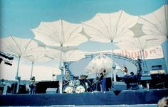 Frei Otto - Stage umbrellas for Pink Floyd In the Flesh Tour 1977 Pink Floyd Live, Pink Floyd Art, Membrane Structure, Open Air, Outdoor Venues, In The Flesh, Photos, Pictures, Art And Architecture