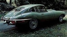 1971 Jaguar E-Type Fixed Head Coupe (Series III) - Got to love the spoked wheels on these guys. Jaguar E Type 1961, Jaguar Daimler, Aston Martin Lagonda, Car Museum, Love Car, Amazing Cars, Old Cars, Vintage Cars, Classic Cars