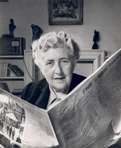 Agatha Christie is the world's best-known mystery writer. Her books have sold over a billion copies in the English language and another billion in over 45 foreign languages. Agatha Christie, Miss Marple, Journal Photo, Mystery, Hercule Poirot, Writers And Poets, Playwright, Lectures, Book Authors