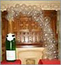 1000 images about champagne on pinterest champagne for Champagne balloon wall