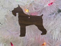 Giant Schnauzer Ornament in Wood or Mirror Acrylic Customizable with Name par DaybreaksPet sur Etsy https://www.etsy.com/fr/listing/204269790/giant-schnauzer-ornament-in-wood-or