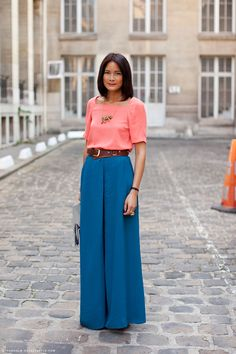 great color combo.  really feeling the wide-legged pants these days.