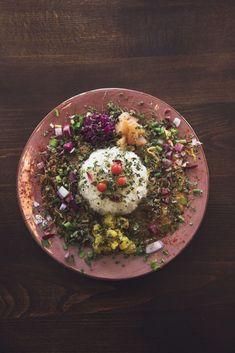 カラフルなカレーにファン多数!とにかくフォトジェニックでおいしいカレー屋さん4軒 | 東京を、おいしく生きるための最新情報 Hanako.tokyo(ハナコ・ドット・トーキョー) Composition Design, Food Plating, Acai Bowl, Seeds, Curry, Food And Drink, Yummy Food, Healthy Recipes, Breakfast