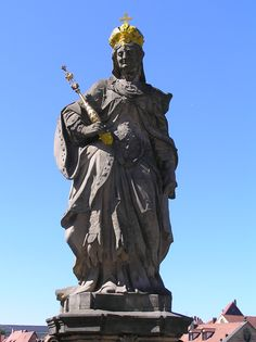 Saint Cunegonde of Luxembourg: My 32nd Great Grand Aunt