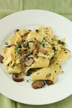 Fresh Gluten-Free Fazzoletti (Handkerchief Pasta) with Wild Mushrooms & Spring Onions